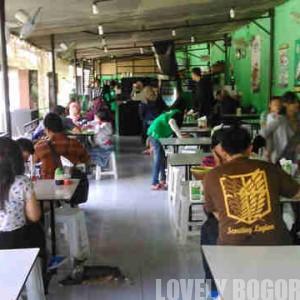 Kedai Bebek Goreng H Slamet di Jalan Soleh Iskandar