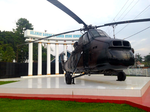 monumen helikopter atang sanjaya bogor yang baru