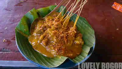Sate Padang Mak Itam di Sawojajar