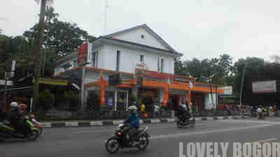 Kantor Pos Bogor dekat Kebun Raya