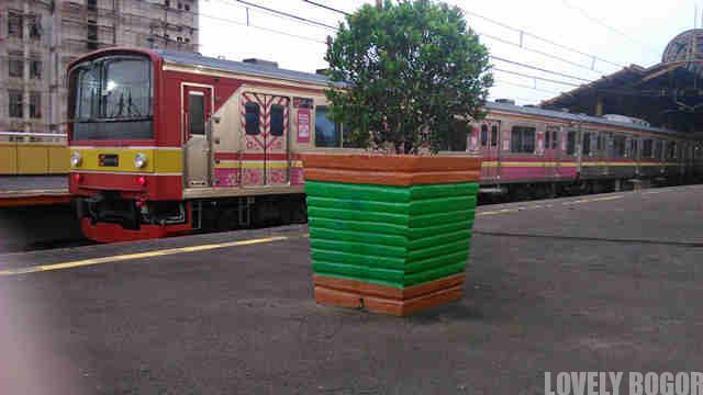 Menuju Bogor Dari Tangerang Dengan Commuter Line Lovely Bogor