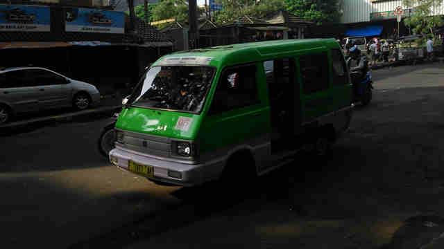 Efek Burung Angkot Bagi Kota Bogor