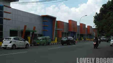 Berjalan Kaki di Jalan Sudirman