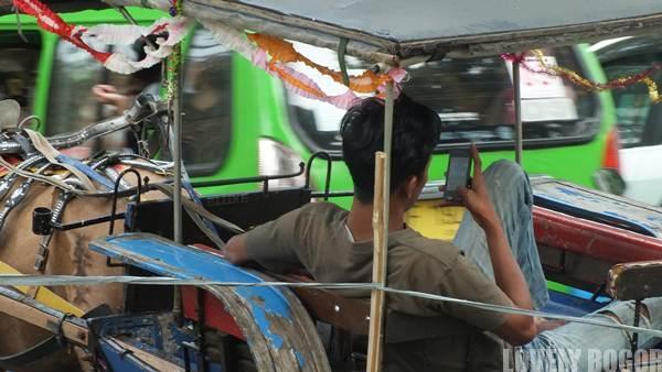 Sais Delman di Jalan Juanda