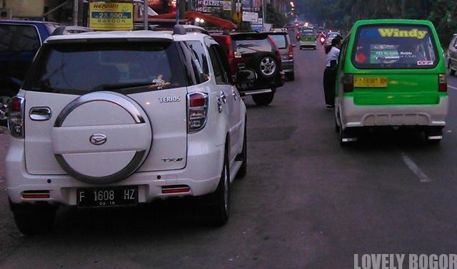 Mobil Pelat F dilarang masuk Jakarta