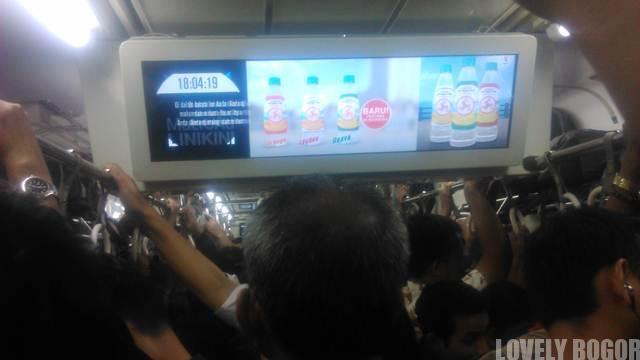 Hiburan di Commuter Line