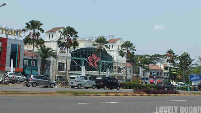 Belanova Country Mall
