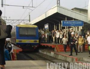 Alasan Commuter Line Terlamba
