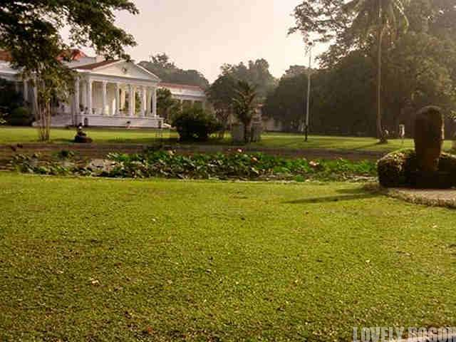 Bogor Palace, Reinwardt Monument and Gunting Pond