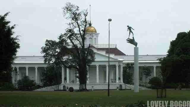 Istana Bogor Dan Tangan Tuhan