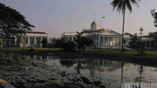 Istana Bogor dan Danau Gunting