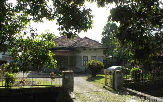 Rumah Kuno Di Jalan Jalak Harupat Bogor