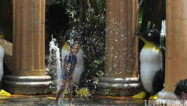 Karakter Lucu di Marcopolo Water Park