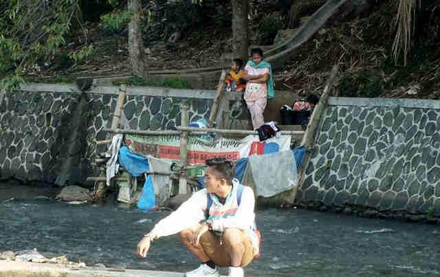 Riverside public bath in Bogor