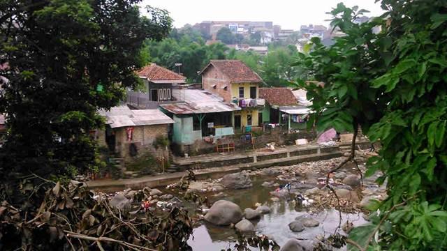 Public Settlement on Riverside