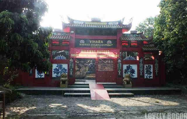 The Buddha Dharma & 8 Pho Sat Temple
