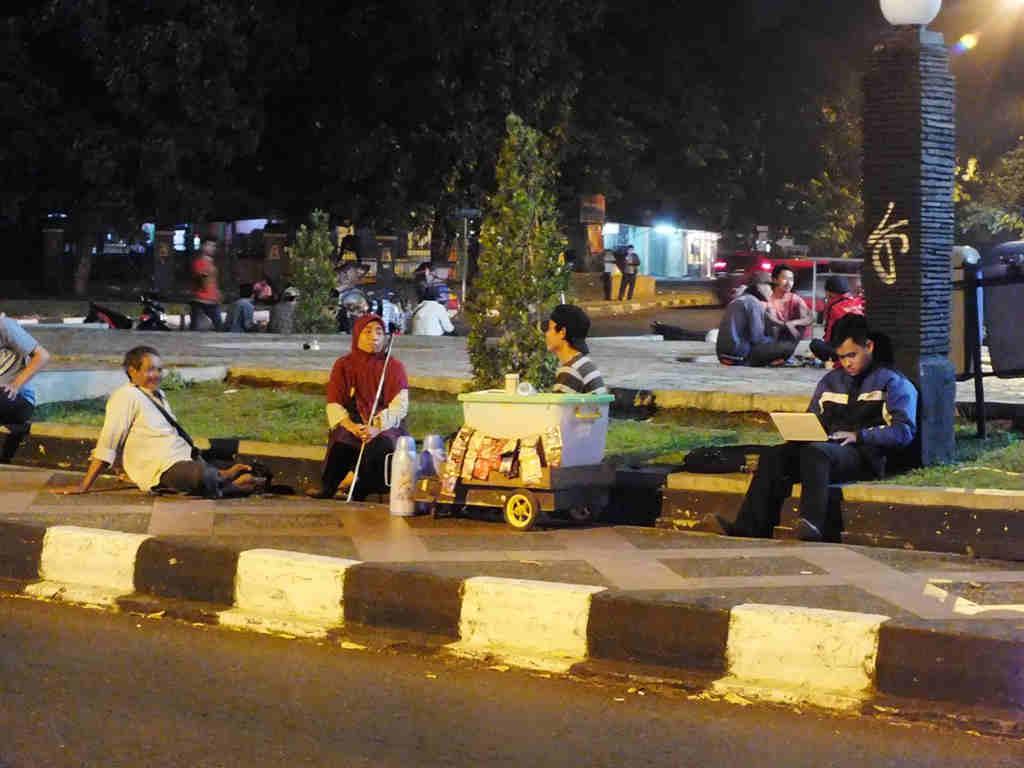 Kawasan Air Mancur Bogor Di Malam Hari 02 Lovely Bogor