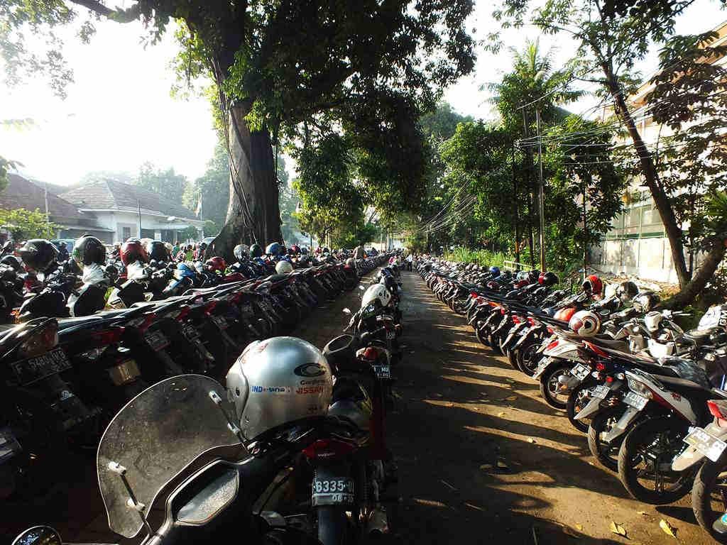 PArkir Motor Car Free Day Bogor