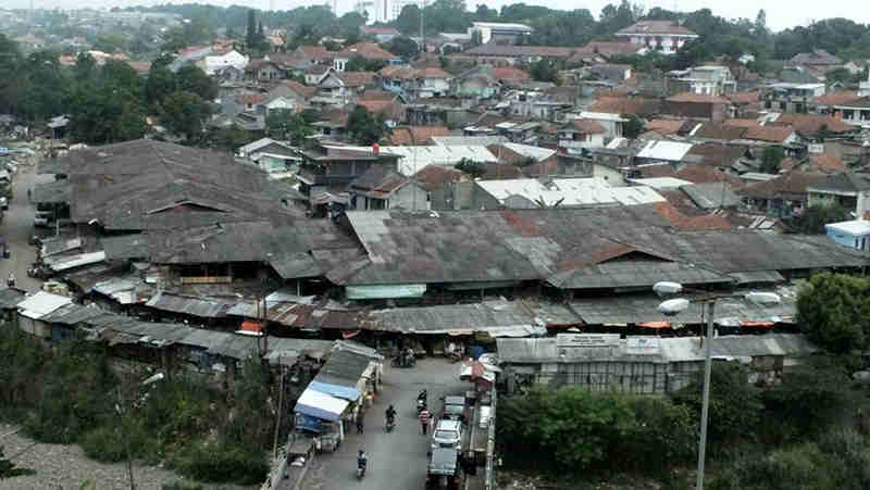 Pemukiman Padat Penduduk Di Warung Jambu Bogor