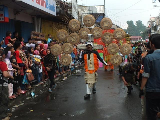 Pakaian Aneh Dan Heboh Cap Go Meh Bogor 2016 02