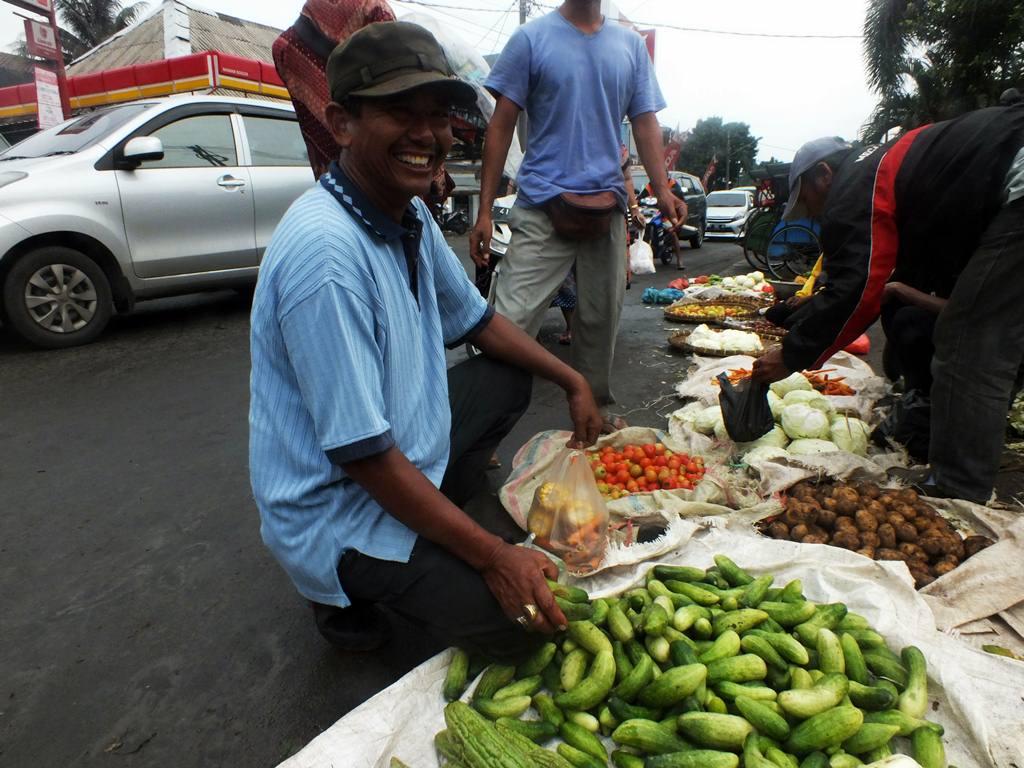 Pembeli Sayur Bogor