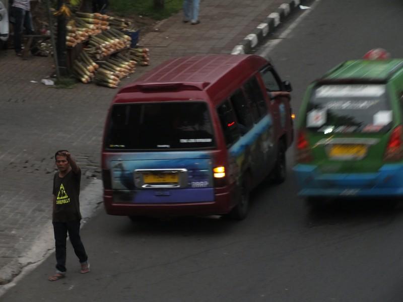 Angkutan L-300 jurusan Bogor Cianjur