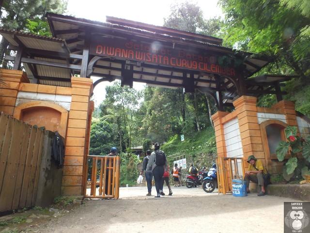 Gapura Wana Wisata Curug Cilember Bogor