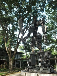 Patung Optimus Prime di Eco Art Park Sentul