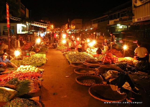 Pasar Bogor Di Malam Hari