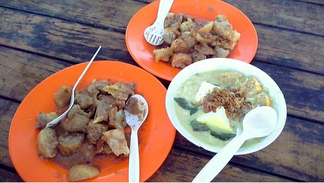 Foodcourt SKI - Sumber Karya Indah Katulampa Bogor