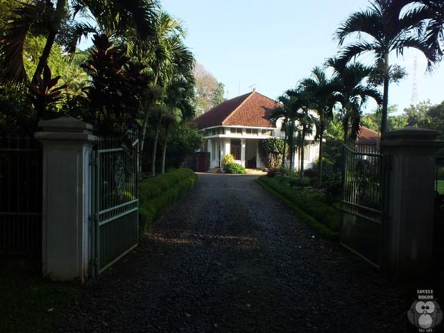 Rumah Tua Di Ujung Jalan Ahmad Yani