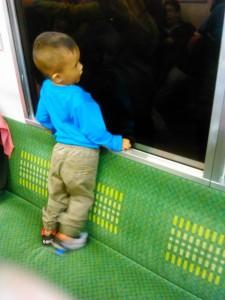Ajarkan Anak Menjaga Fasilitas Umum