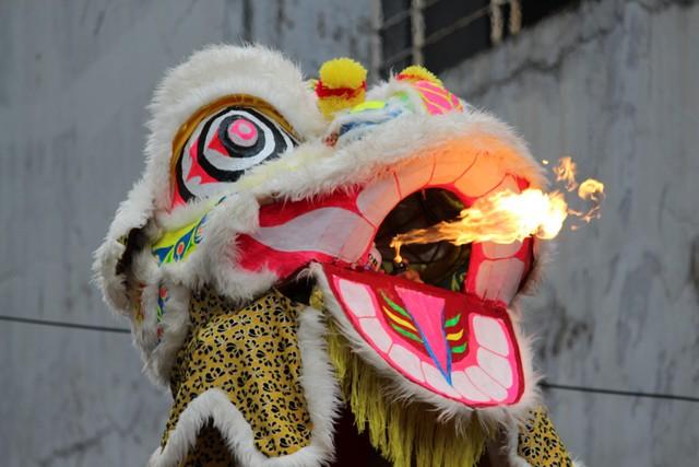 atraksi barong sembur api di bogor cgm street fest 2017