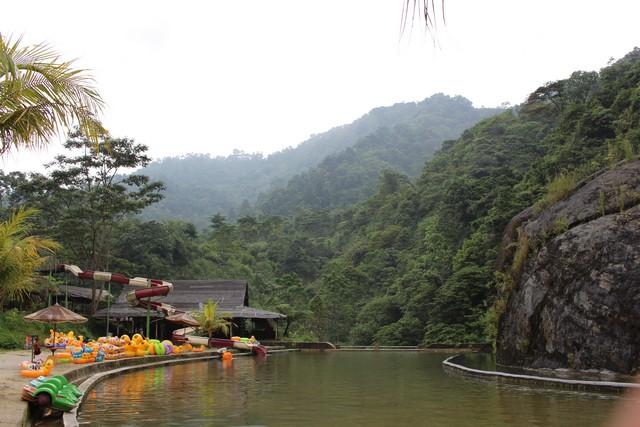 curug bidadari atau air terjun bojong koneng di sentul paradise park
