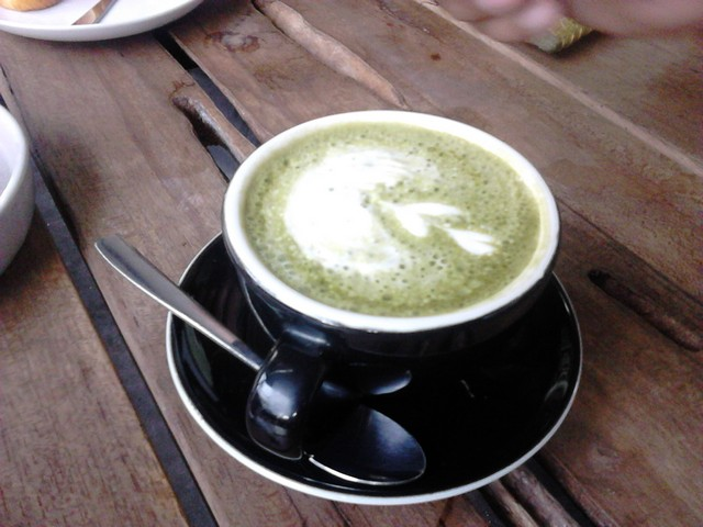 green tea latte popolo people and coffee