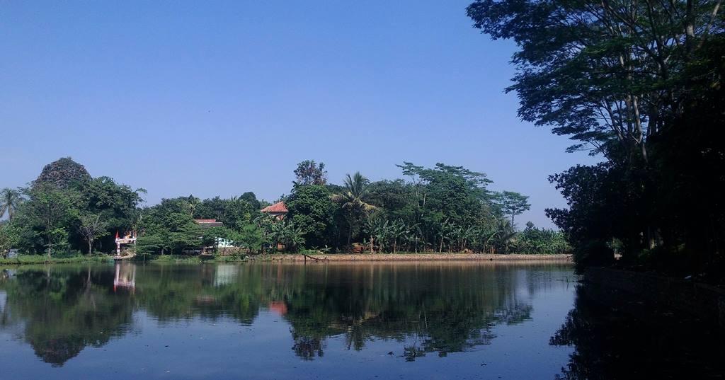 Danau Borcess Yang Fotogenik