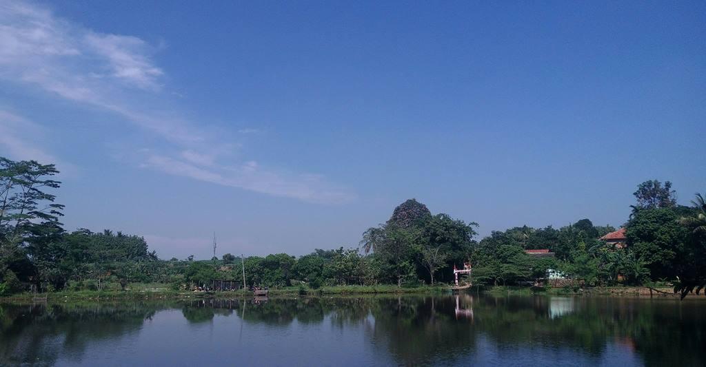 keindahan danau borcess
