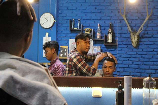 hunky dory barbershop langganan pak Jokowi 6