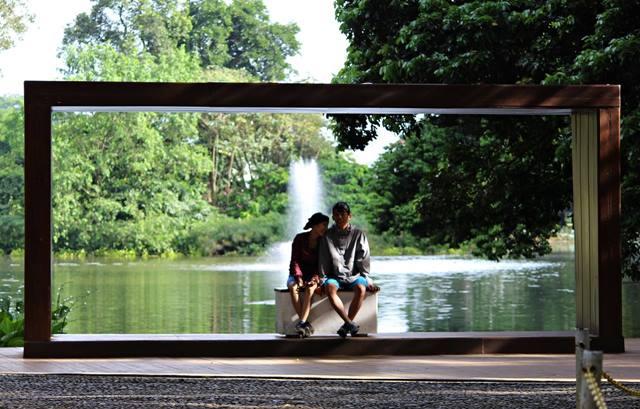 pigura raksasa di Kebun raya Bogor 2