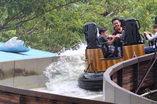 Wahana Hydrolift di The Jungleland bogor