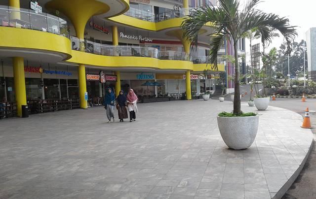 tempat parkir super bike dan super car di Cibinong City Mall CCM 2