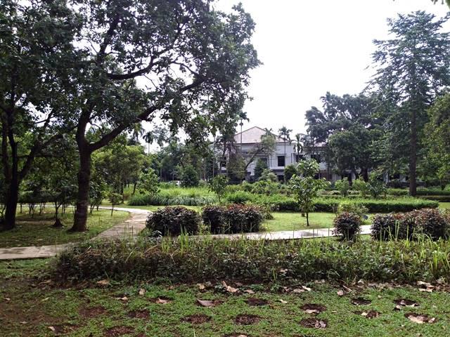 Sayang taman indah ini tidak bisa dikunjungi umum 5