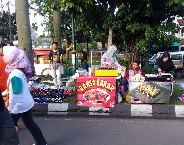 bakso non mangkok Bogor - Bakso Bakar