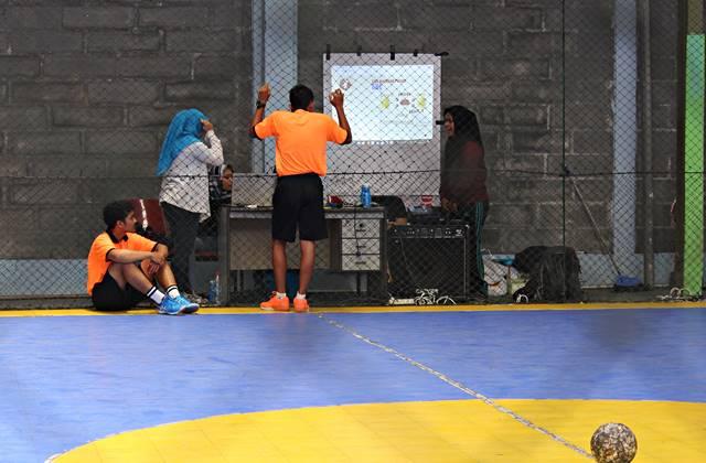 Yang Tersisa Dari Liga Handball - Bola Tangan SMA di Bogor 2018 3 - mencoba ngobrol dengan para gadis