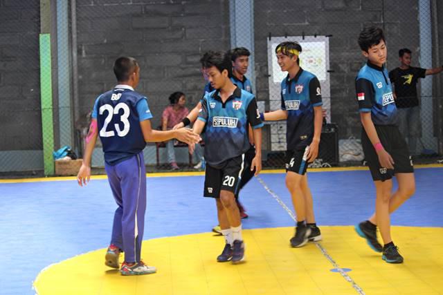 bersalaman itu harus dalam handball