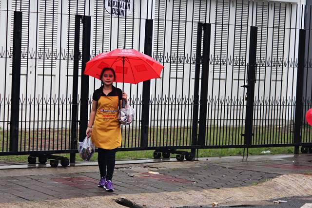 Para Pencari Rejeki di ajang Cap Go Meh Bogor 2018 2 - sales promotion girl