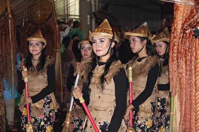 Warna warna cantik pemanis Bogor Street Festival 2 coklat dan hitam