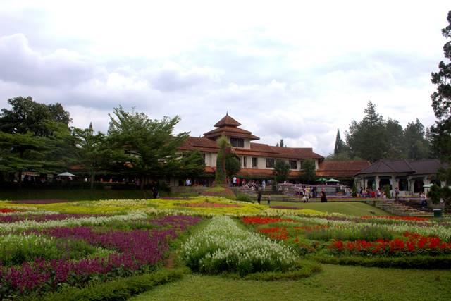 fasilitas di taman bunga nusantara A