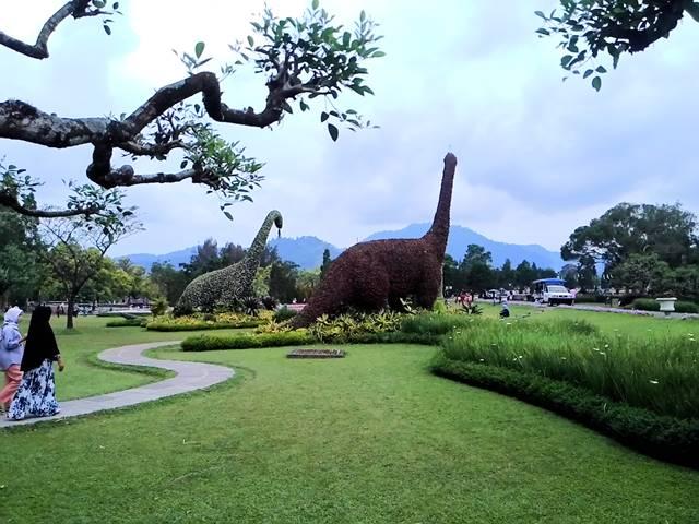 taman bunga nusantara tempat untuk mendapatkan udara segar dan sejuk serta menikmati pemandangan alam