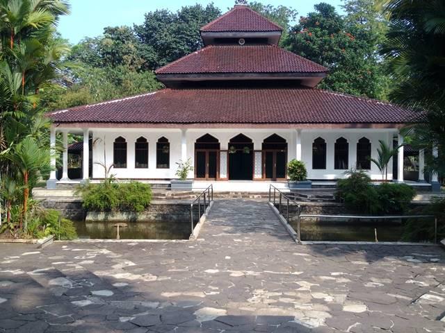 Toilet Mesjid Kifayatul Abidin - Kebun Raya Bogor